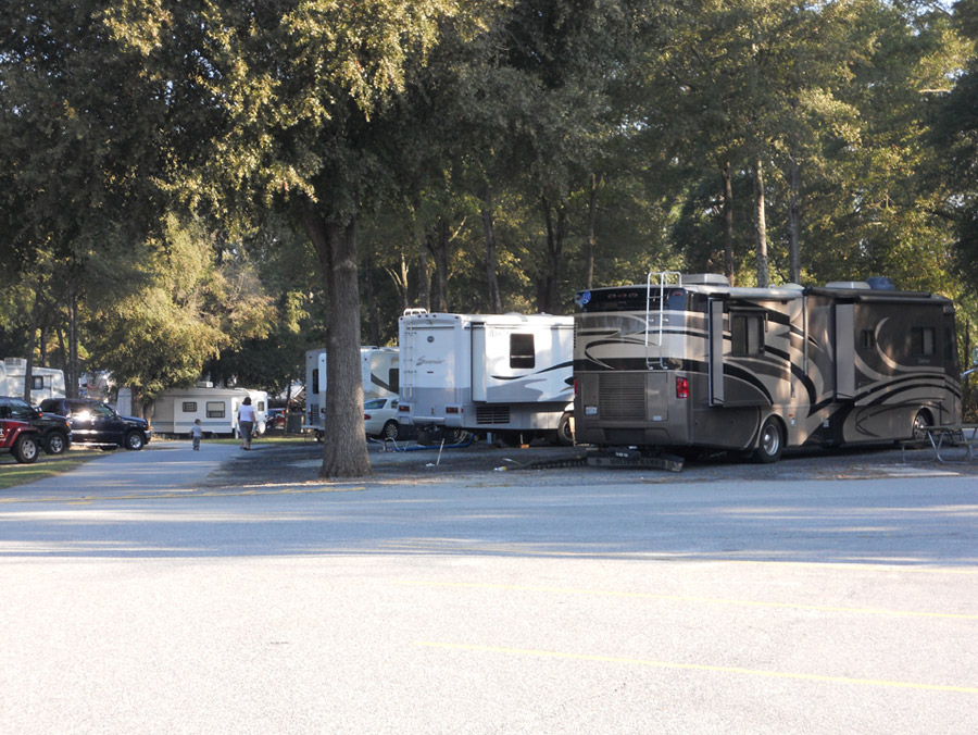 Pull Thru Sites at Fair Harbor RV Park and Campground